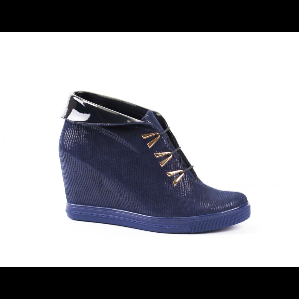 Дамски спортни обувки естествен велур и лак - 1