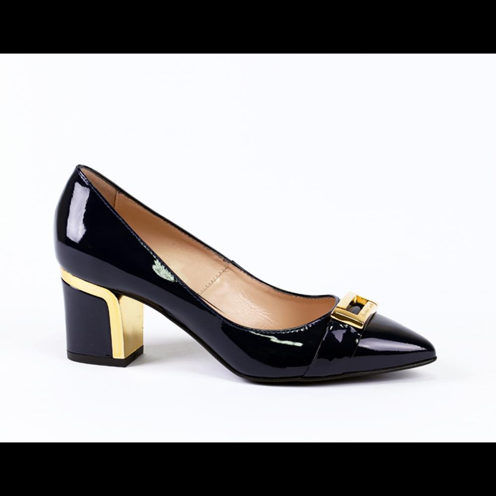 Дамски обувки от естествен лак - 1