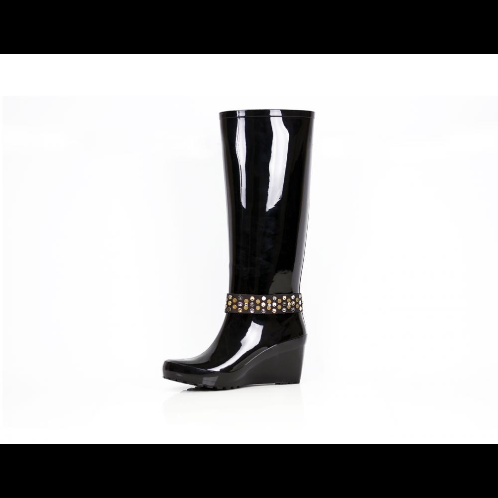 Дамски гумени ботуши в черен цвят - 2
