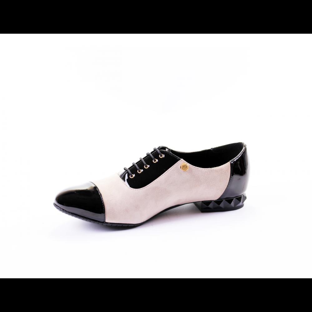 Дамски обувки от естествен велур с лак CP-2227 - 2