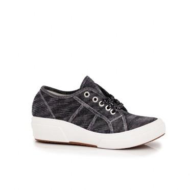 Дамски спортни обувки от текстил