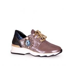 Дамски спортни обувки от естествен кожа