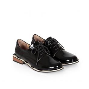 Дамски обувки от естествен лак ILV-2232-20 - 2