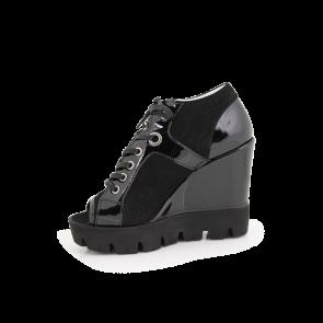 Дамски летни обувки от естествен лак и велур - 2
