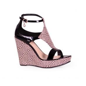 Дамски сандали от естествена кожа и лак