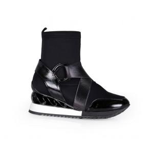 Дамски спортни обувки от стреч