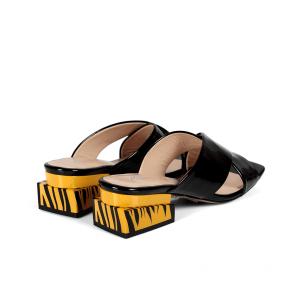 Дамски чехли от естествен лак ILV-4520 - 2