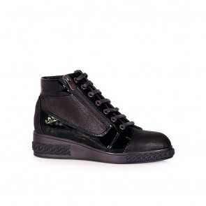 Дамски обувки от естествена кожа и лак