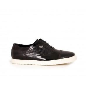 Мъжки спортни обувки от естествен лак