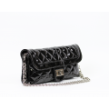 Дамска чанта от еко лак - 2t