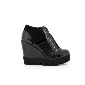 Ladies shoes black suede and patent leather H1-15-639/1